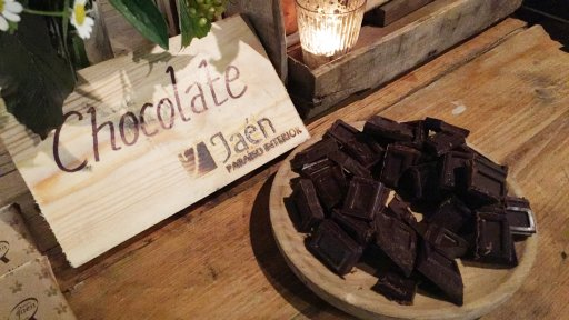 On the stands, we tasted some gorgeous artisanal chocolate from the Jaén region.