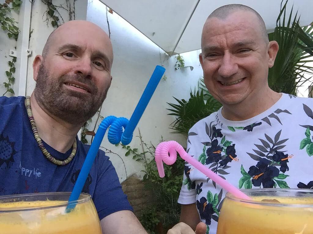 Andy & Bart drinking Agua de Valencia at La Mas Bonita in Valencia