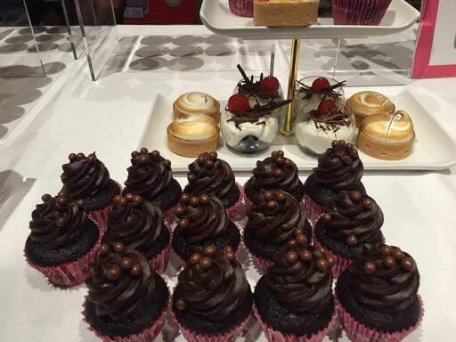 B Bakery kept the London Foodies fuelled with some of the treats available on the afternoon tea bus tour