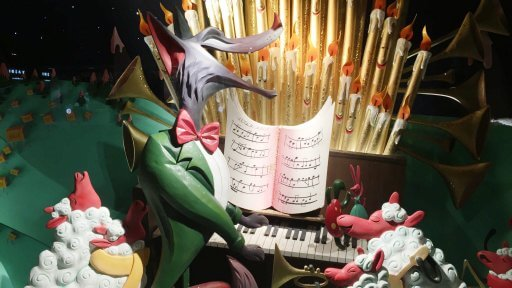 Fortnum & Mason's tale appears across the eight iconic windows that stretch the Piccadilly façade. Inanimate objects that have come to life and a menagerie of animals star in this rich tapestry, all in groups working together to make Christmas happen.