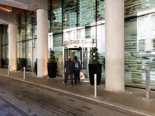 The Doubletree by Hilton, Tower of London is just a few minutes' walk from Tower Hill Underground station, Tower Gateway Docklands Light Rail station, Fenchurch Street train station and a shedload of bus connections.