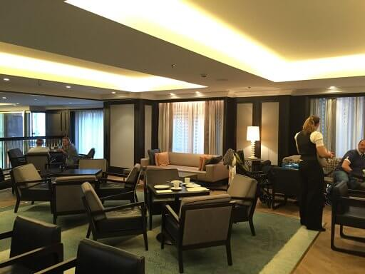The comfy seating area of the Executive Lounge at the Hilton Vienna Plaza