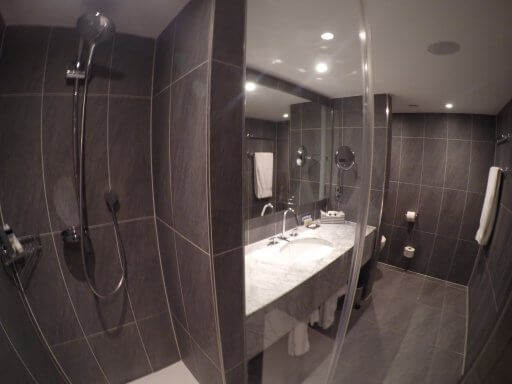 An Executive room bathroom at the Hilton Vienna Plaza