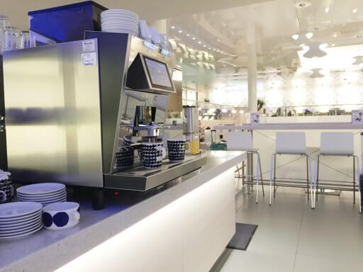 The coffee machine in the Finnair Non-Schengen Lounge at Helsinki Airport