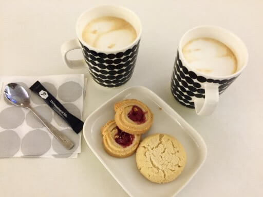 Coffee & biscuits in the Finnair Non-Schengen Lounge at Helsinki Airport