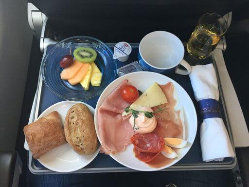 Club Europe Cold Brunch on BA700 from London Heathrow to Vienna