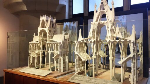 The Sagrada Familia Museum opened in 1961 in the semi-basement under the Passion facade. This is the basic core, together with later additions and refurbishment, of the present museum display which, while also including Gaudí's other work, centres on the construction of the temple.