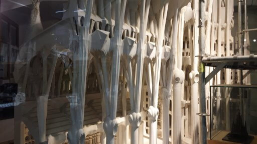 Gaudi himself used a similar workshop for the design & production of scaled models (using a scale of 1:1, 1:10 and 1:25) of different parts of the temple. Gaudi preferred working with plaster models rather than drawings because he could see more clearly how the new architecture would work.