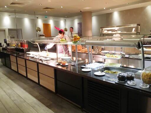 The hot breakfast buffet at Hilton Garden Inn London Heathrow Airport