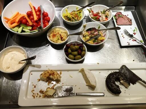 Hilton Helsinki Airport's Executive Lounge had a good selection of food and drink on offer. The lounge has a snack buffet from 6 to 8 pm and (alcoholic) drinks from 8 to 10 pm. The snacks included cheese, cold meats and salads, along with some hot dishes.