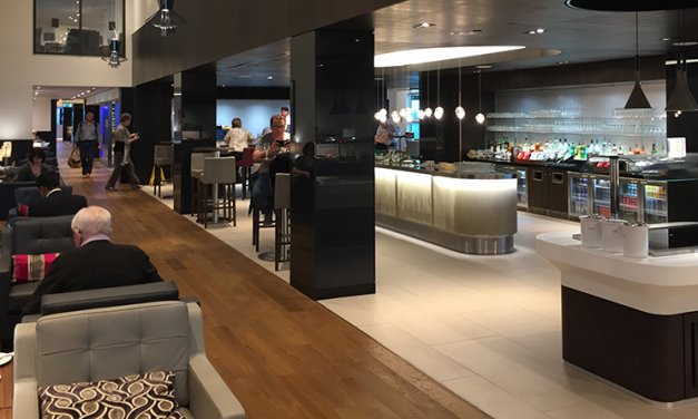Light, bright decor & great runway views in the British Airways Club Lounge at Gatwick