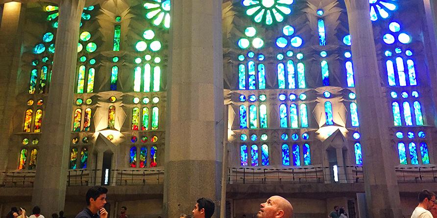 The Basílica i Temple Expiatori de la Sagrada Família: Gaudí's breathtaking gift to God